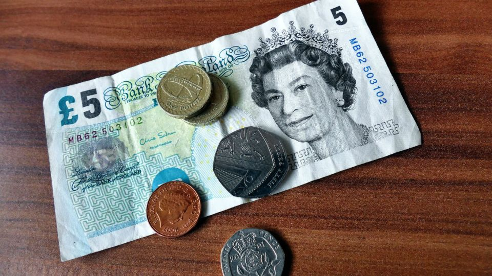 La libra esterlina.