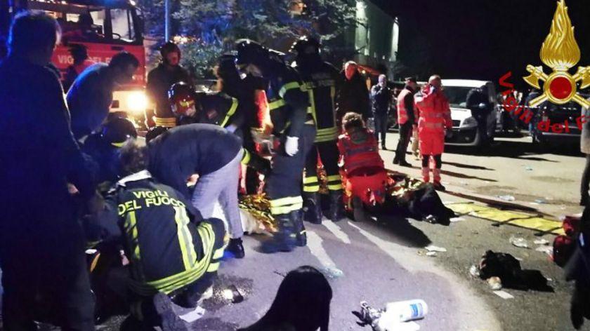 Seis muertos y más de 100 heridos en una discoteca