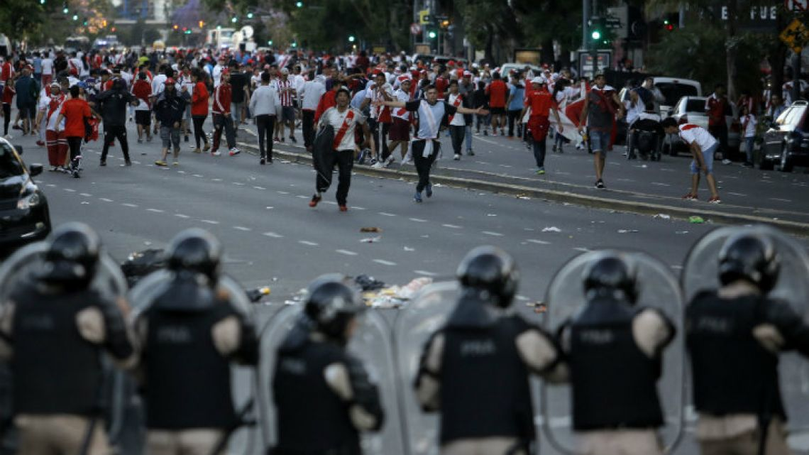 River Plate's hooligans and the lack of security ruined the Copa Libertadores final.