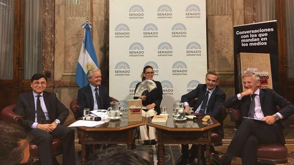 Fontevecchia durante la encuentro dedicado a analizar el periodismo en la democracia.