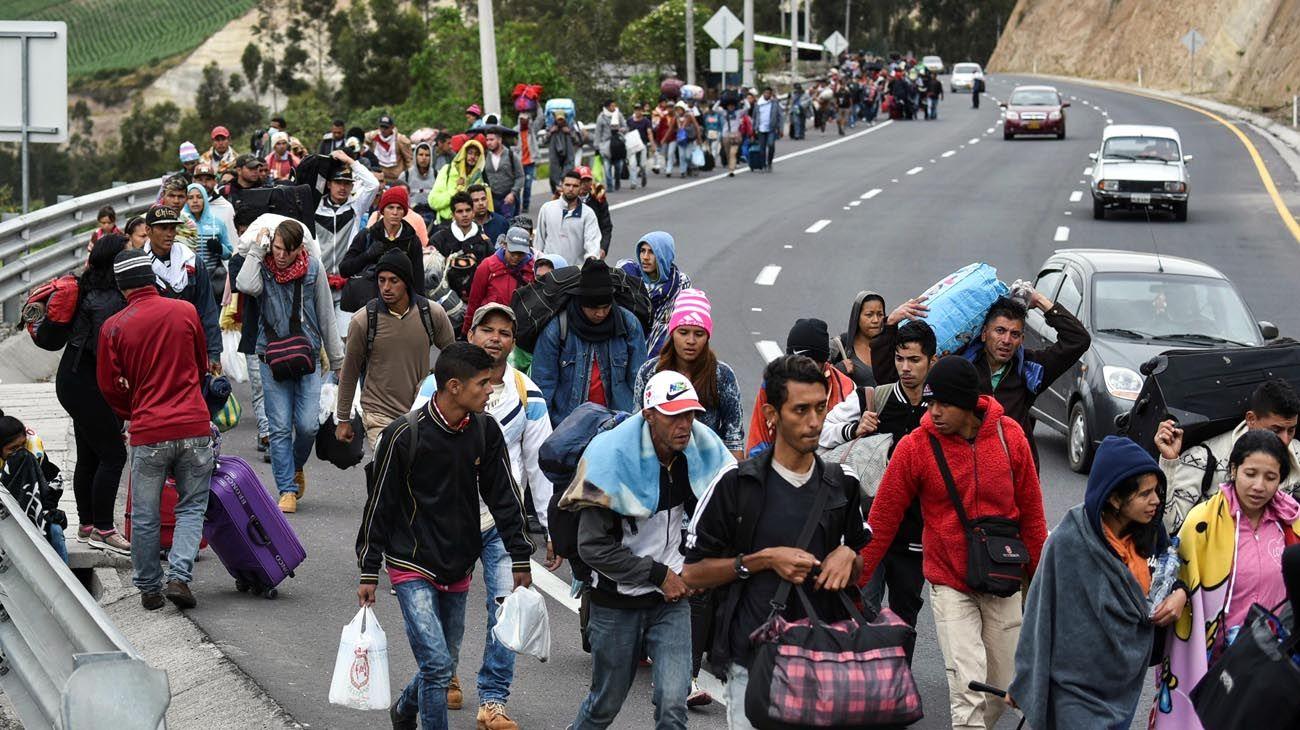 A diario, miles de personas se van de Venezuela por la crisis