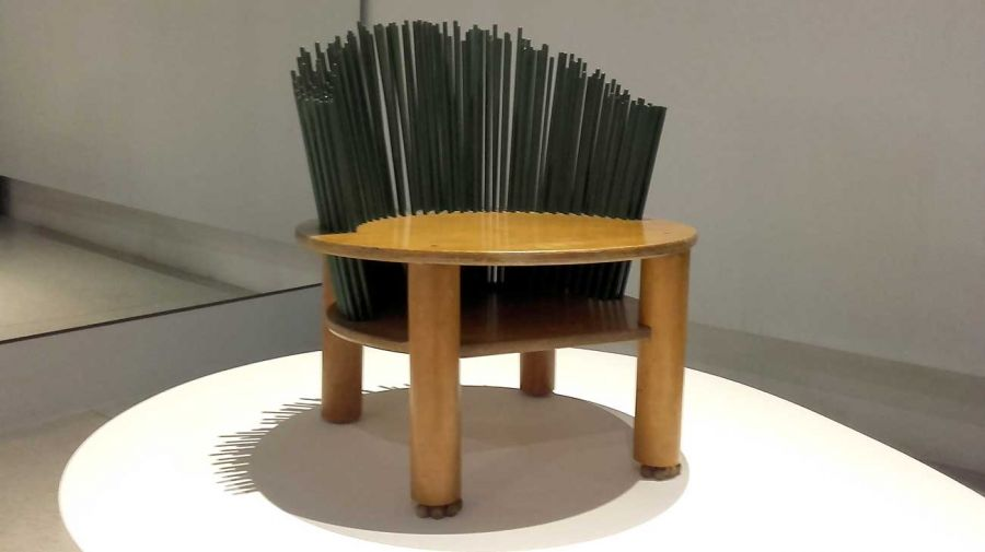Dar en el Blanco. El mueble de asiento por Ricardo Blanco.