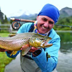 Para el inicio de temporada de salmónidos recorrimos dos ríos bien diferentes, el Grande y el Gualjaina, pero con algo en común: truchas en cantidad y calidad.
