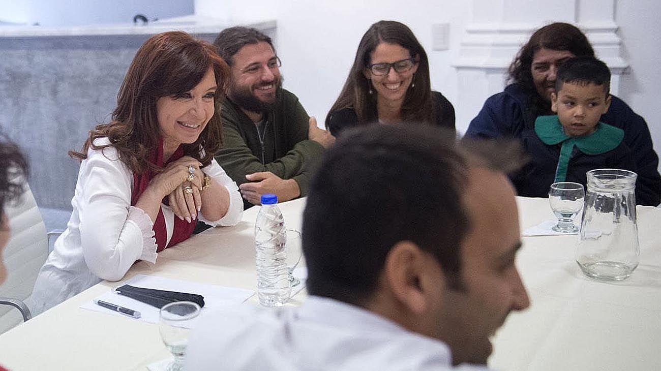 """Junto a Juan Grabois, Cristina Kirchner dijo que va a """"hacer lo necesario para ganar"""""""