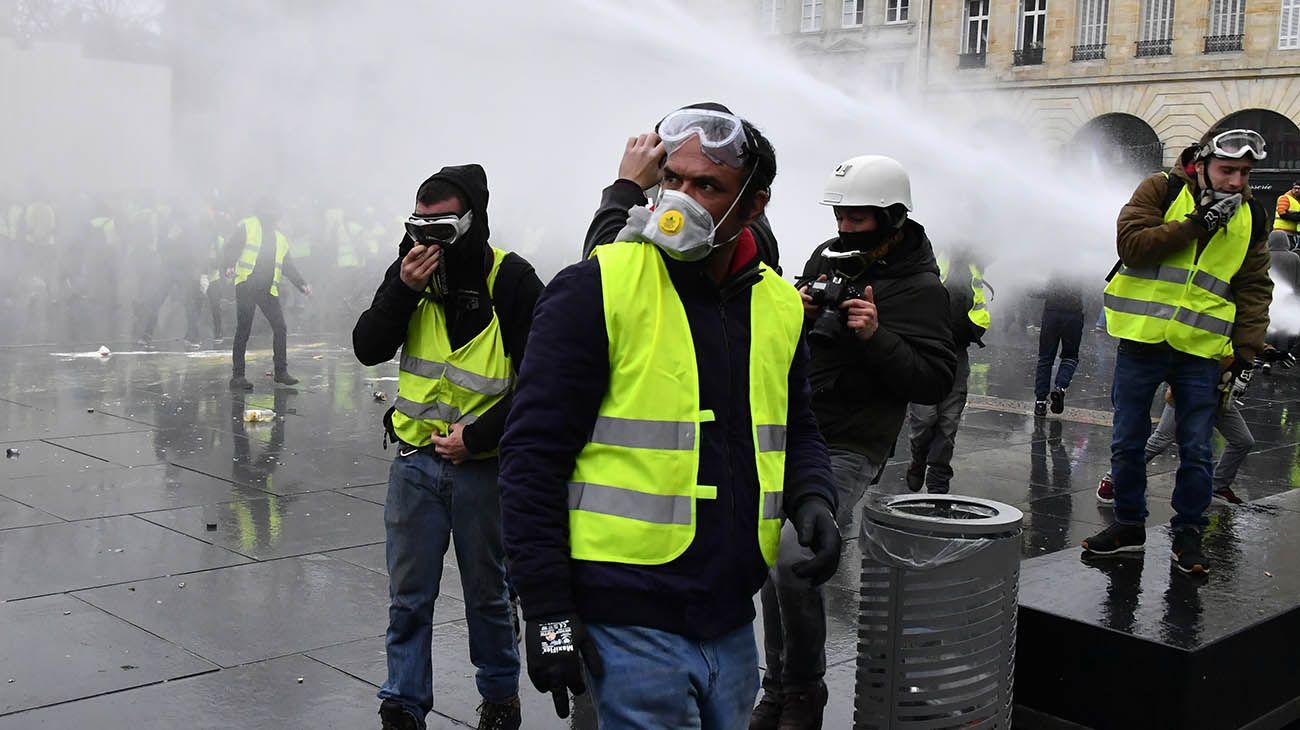 """Cede la tensión en Francia, con menos """"chalecos amarillos' en las calles"""