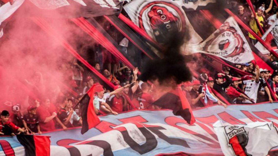 Colón club football fans.