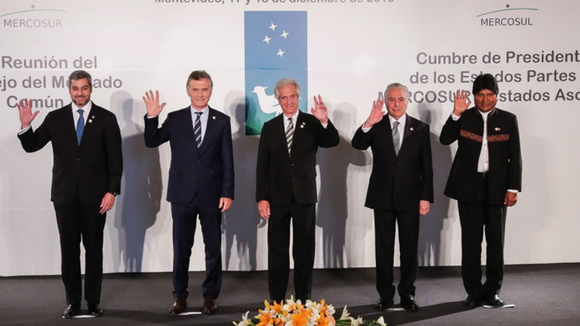 The official family of the 53rd Mercosur summit (left to right): Mario Abdo Benítez (President of Paraguay), Mauricio Macri (President of Argentina), Tabaré Vázquez (President of Uruguay), Michel Temer (President of Brazil), Evo Morales (President of Bolivia).