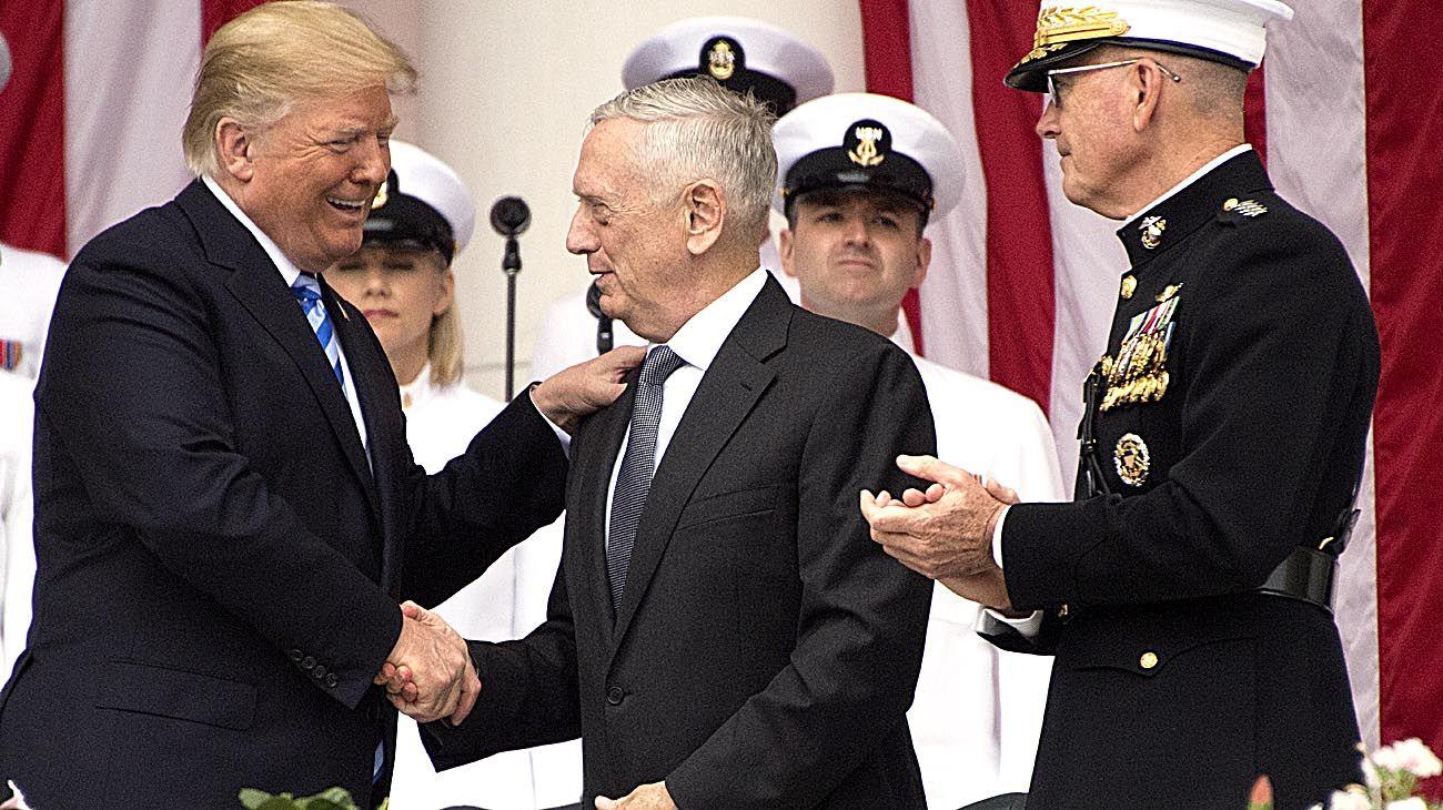 Trump relaja el músculo militar de Estados Unidos