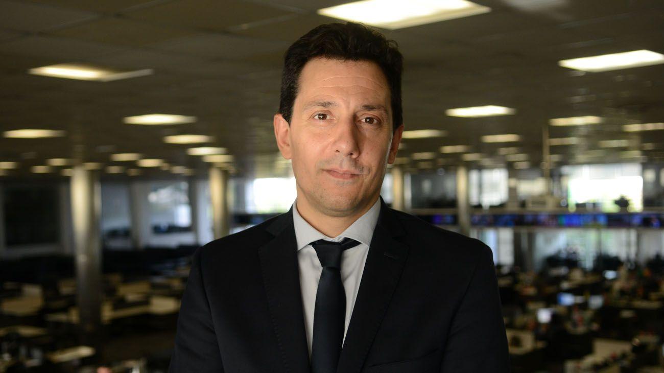 """Diego Falcone: """"Si te dolarizaste, en este momento conviene guardar los pesos"""""""