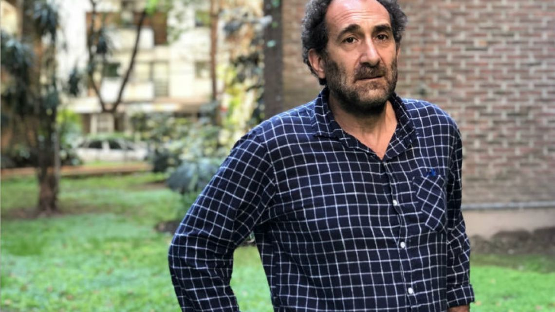 Argentine author Miguel Vitagliano, who has released his latest work, Enterrados.