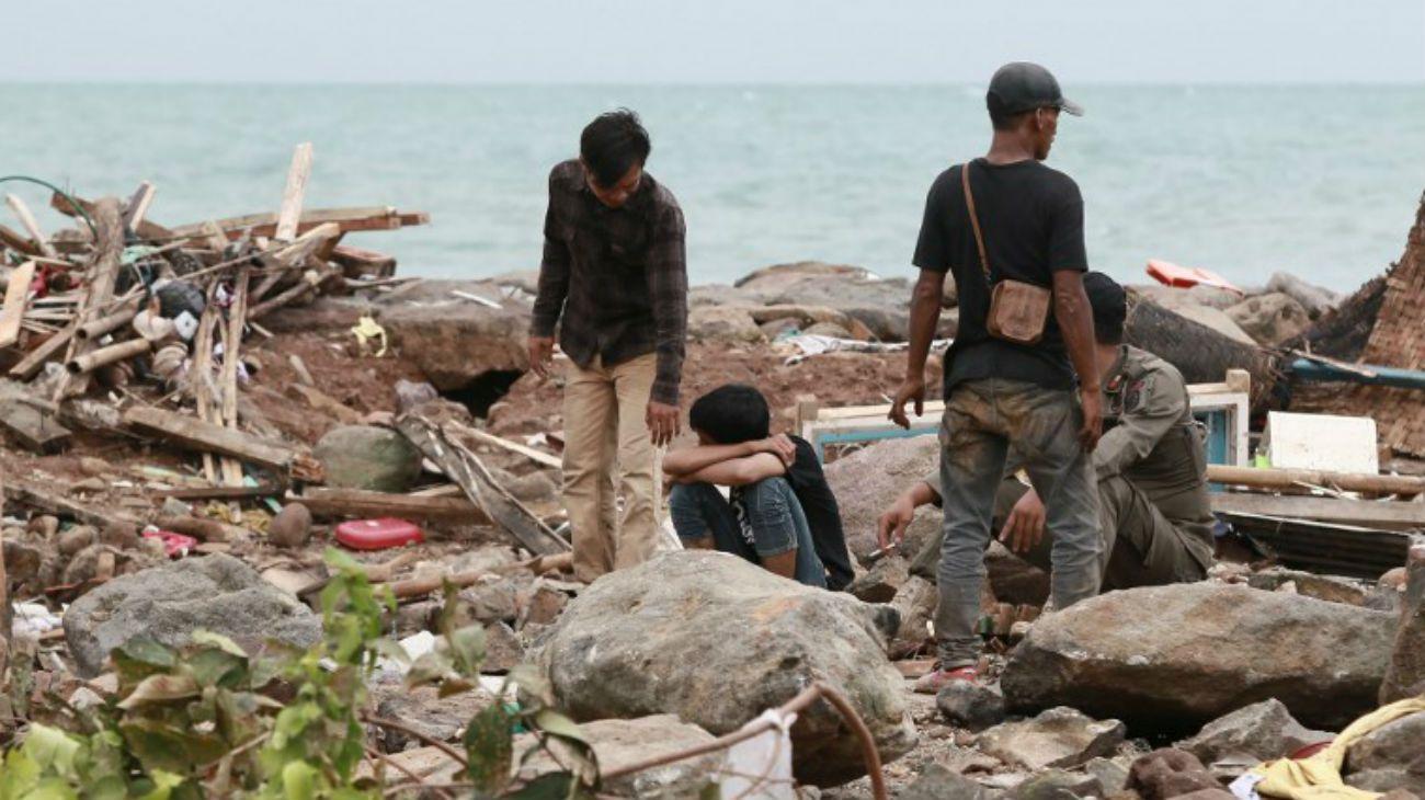 Tsunami en Indonesia deja 222 muertos y cientos de heridos
