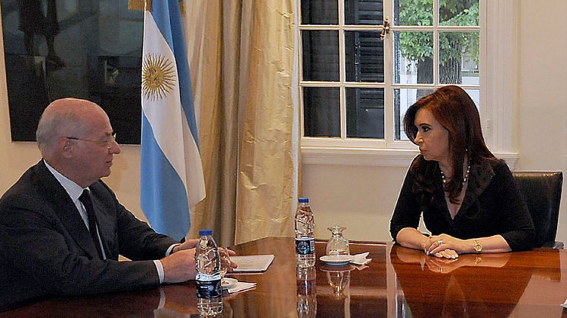 Businessman Paolo Rocca (left) and former president Cristina Fernández de Kirchner.