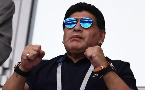 Operaron a Diego Maradona de la hernia que le complicaba la salud: cuándo viaja a México