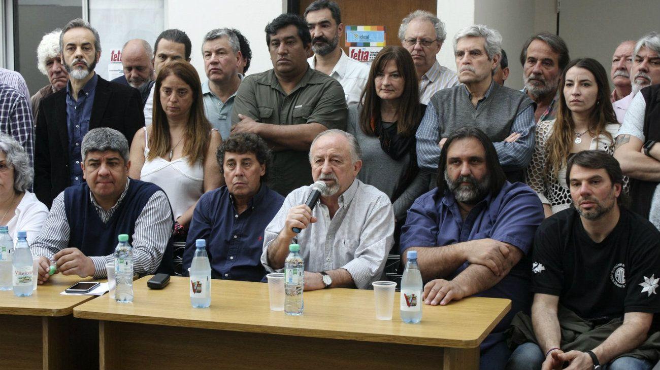 """El sindicalismo opositor se declaró en """"estado de alerta"""" tras los tarifazos"""