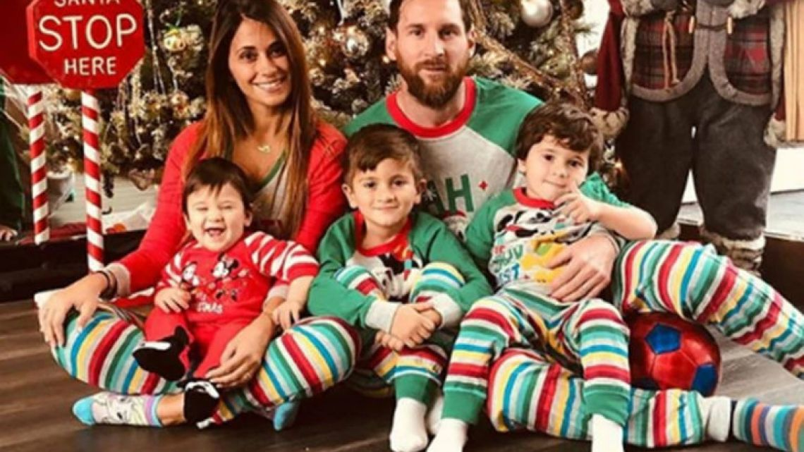 Lionel Messi, his wife Antonella Roccuzzo and their 3 sons.