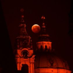 cze-astronomy-moon-eclipse