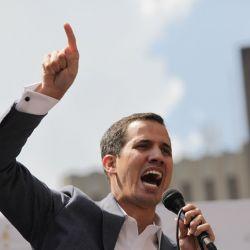 venezuelas-head-of-parliament-challenges-president-maduro