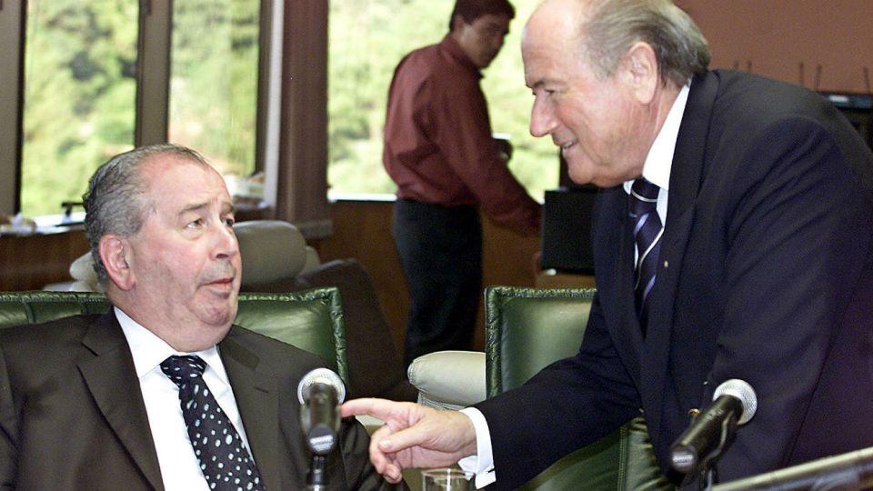 LA COSSA NOSTRA. Julio Humberto Grondona y Joseph Blatter, los ex capos de la FIFA, serán caracterizados en una superproducción.