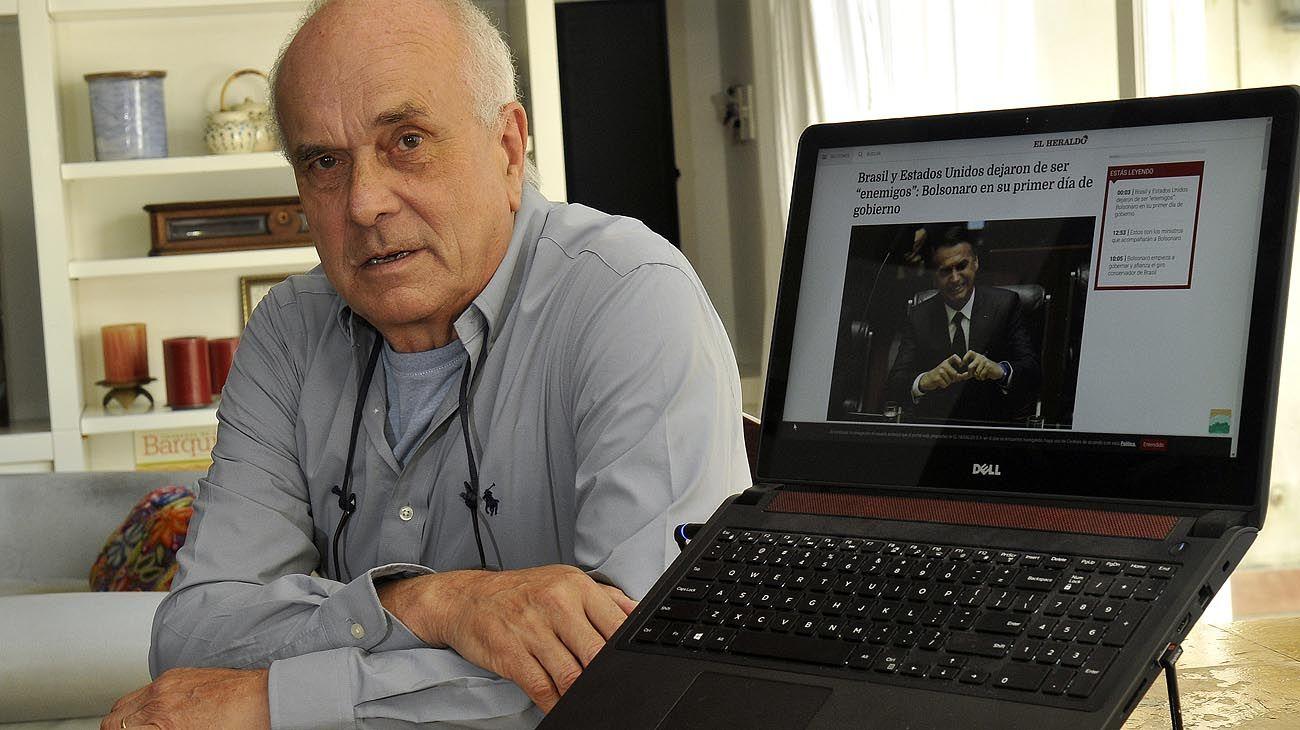 FOCO EN BRASIL. El ex secretario de Política Económica en los 90 exhibió su apoyo en las redes.