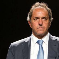 Daniel Scioli, rodeado de escándalos.