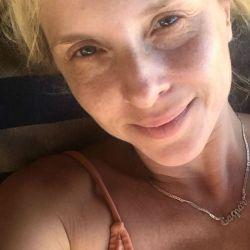Carla Peterson a cara lavada