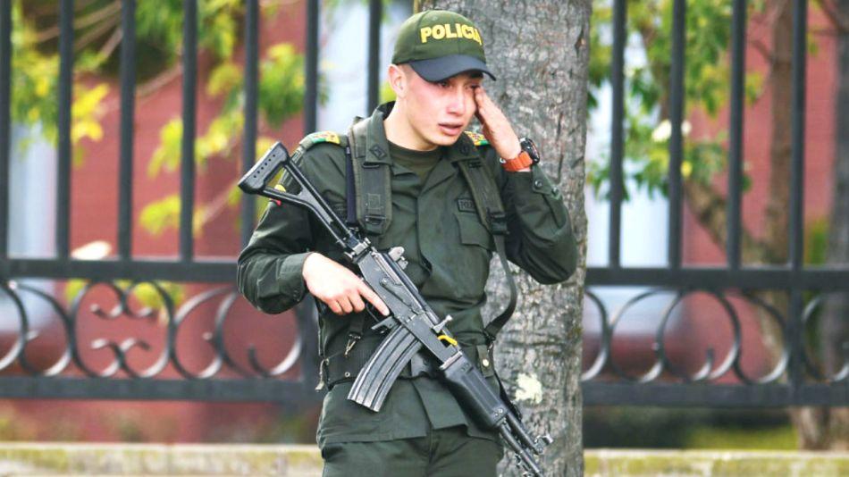 atentado escuela policia bogota colombia