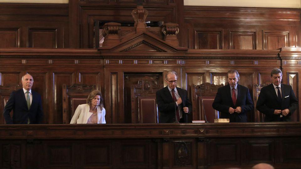 La Corte Suprema tratará la controversia por la consulta popular convocada en La Rioja sobre la posibilidad de una nueva elección del gobernador Sergio Casas.