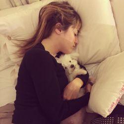 La hermana de Luciana Salazar sufrió la muerte de su perra.