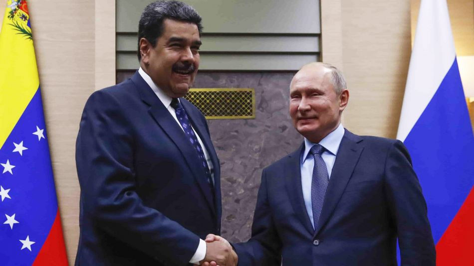 Maduro-putin-AFP
