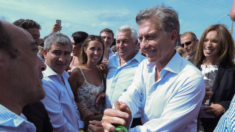 El presidente Mauricio Macri recorrió las obras de la Ruta Nacional 5, en la ciudad bonaerense de Suipacha.