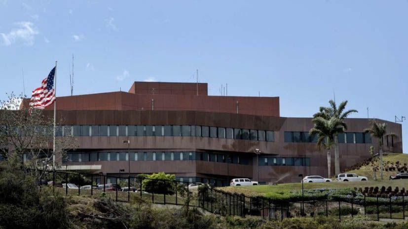 Ordena retiro de personal no esencial de embajada en Venezuela