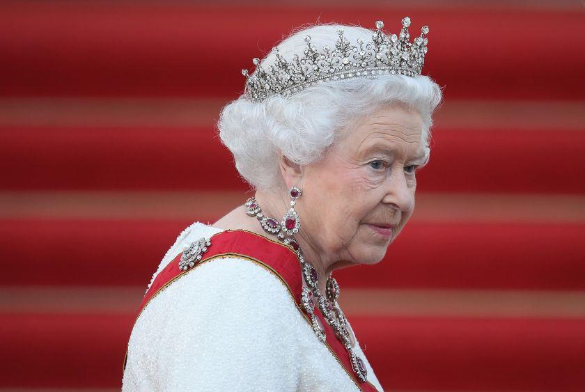 Pide reina Isabel II 'posición común' en momentos del Brexit