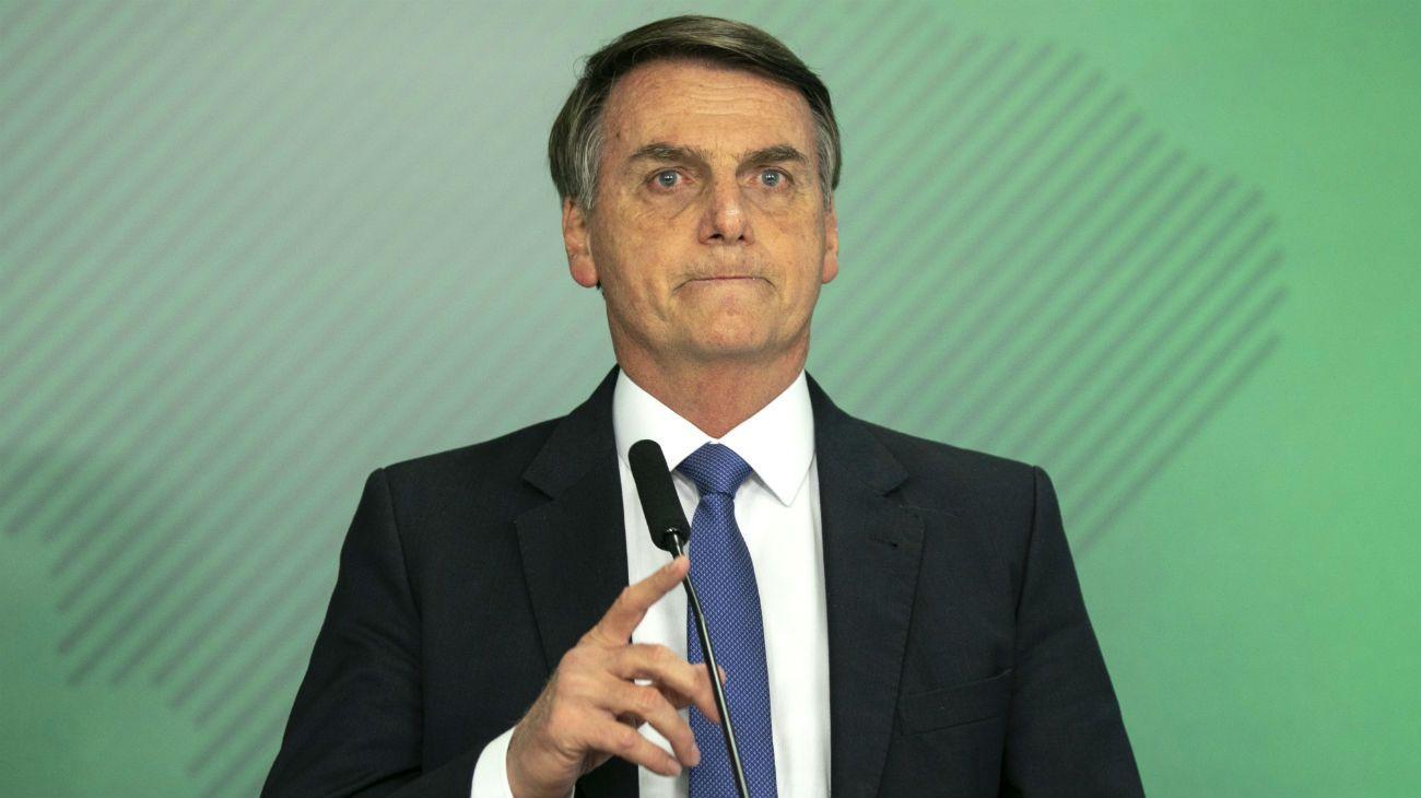 Pocos aciertos, muchas crisis y fin de la Luna de Miel para Jair Bolsonaro