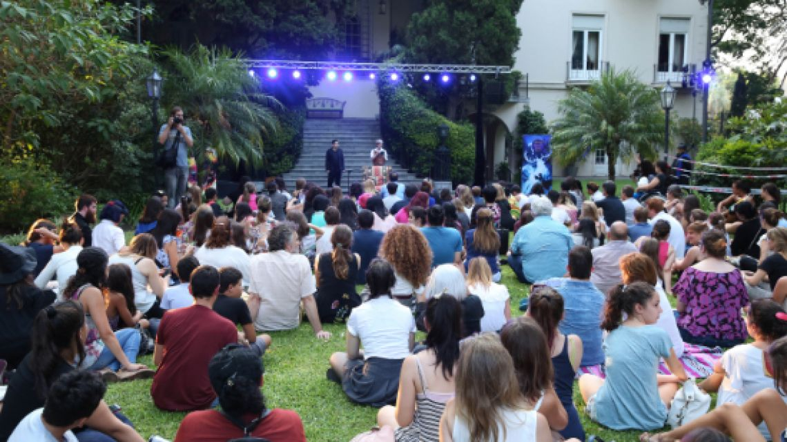 Potter fans enjoy an evening of activities at the Embassy's 2018 event.