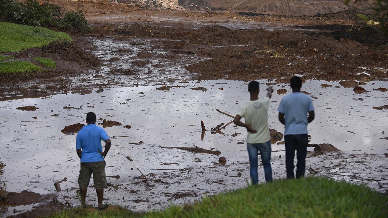 Resultado de imagen para 86 MUERTOS EN BRASIL POR ROMPIMIENTO DE REPRESA