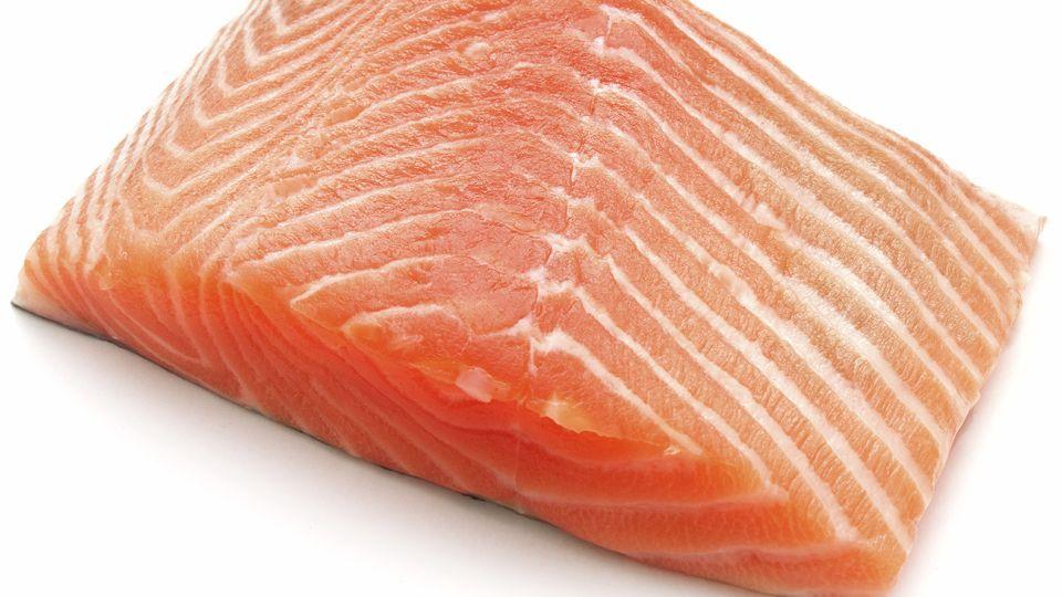 Narda Lepes, Mauro Colagreco y Pedro Barguero contra la produccion intensiva del salmon