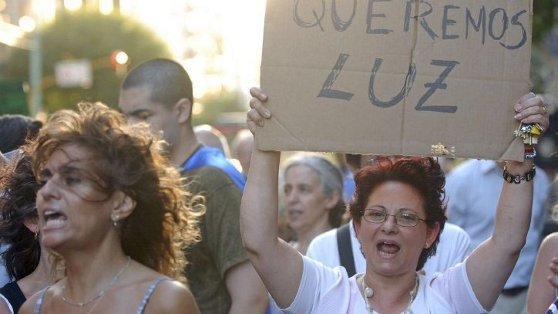 Power outages are so common in Buenos Aires and Greater Buenos Aires that people protest for better service.