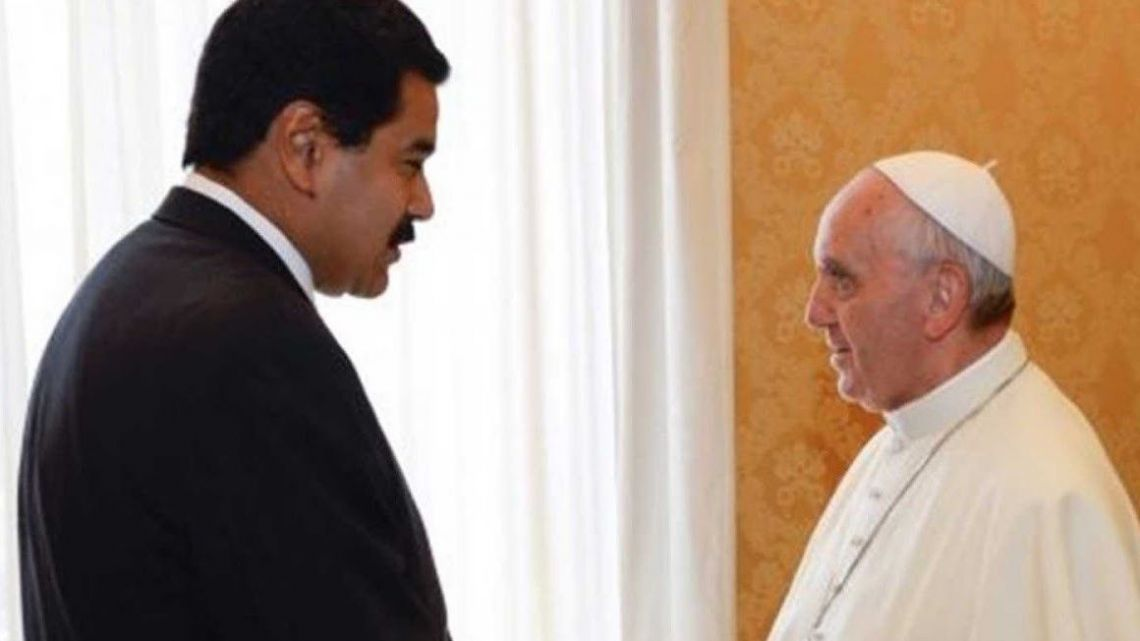 Venezuelan President Nicolás Maduro with Pope Francis.