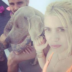 Mauro y Wanda lloran a su perro Coco.