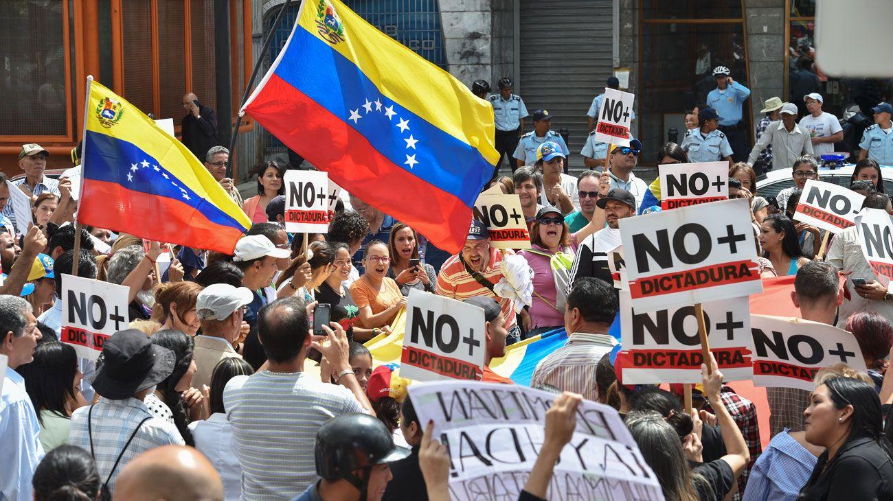 Interés. Las grandes potencias apoyan a Venezuela por la competencia geoestratégica.