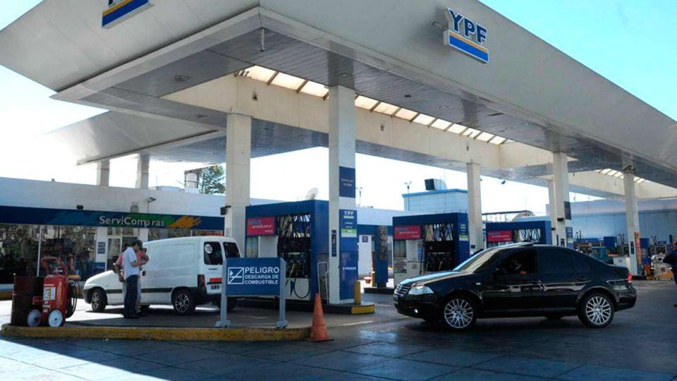 La petrolera estatal aumentó los precios de sus combustibles.