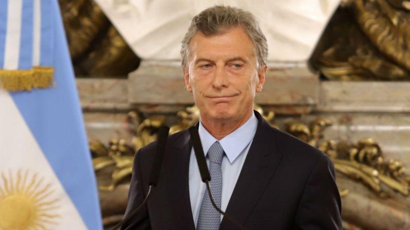 Macri admite el fracaso y pide