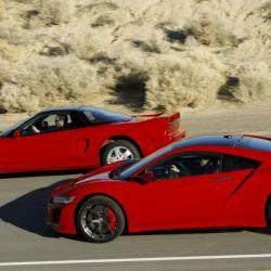 Primera generación del Acura NSX junto a la actual.