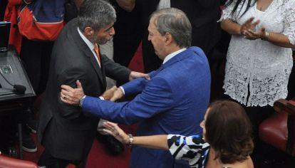 HOY DESAYUNE. Le dijo Schiaretti a Quinteros en la Legislatura, por el episodio del año pasado cuando sufrió una leve lipotimia.