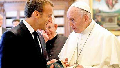 Líderes. Mientras que Francisco es la persona más confiable, Macron descendió en imagen.