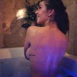 El desnudo hot de Julieta Nair Calvo