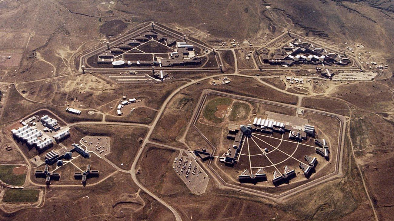 Así es la cárcel donde el Chapo Guzmán pasaría 23 horas diarias encerrado