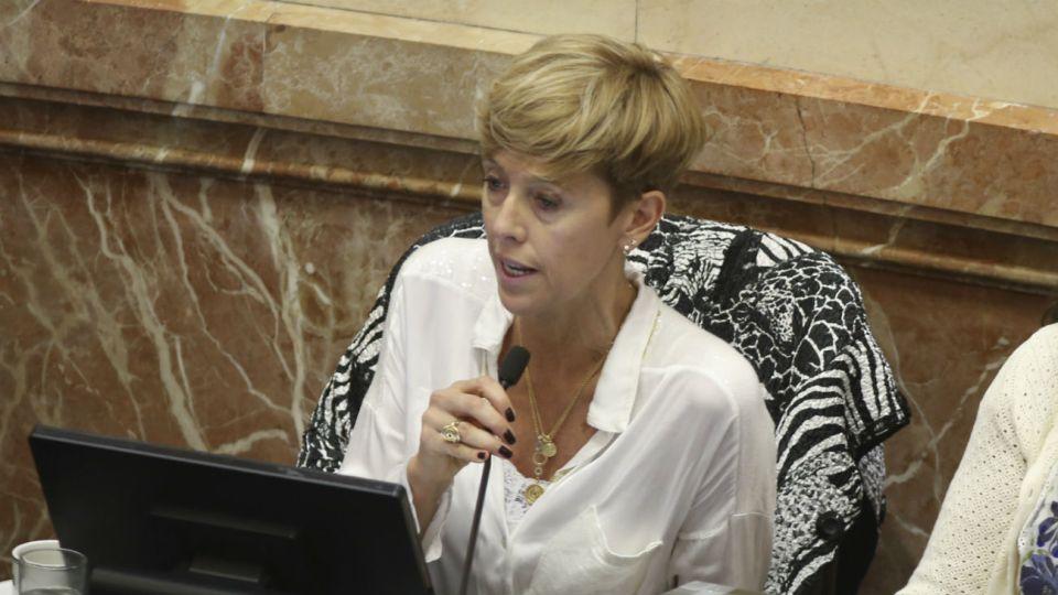 La senadora Silvina García Larraburu.