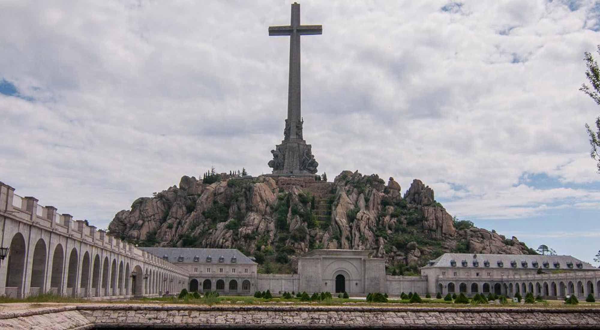 El Gobierno español ordenó reubicar los restos del dictador Francisco Franco