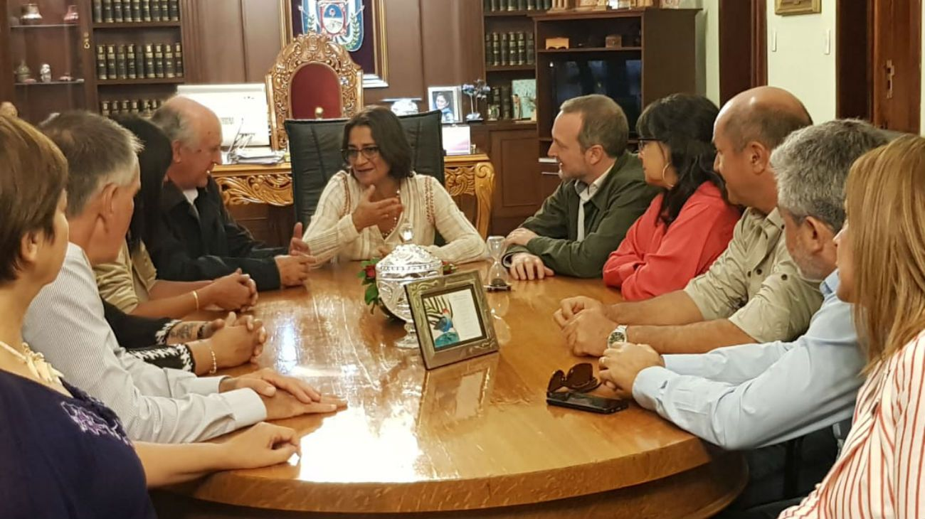 Cristina Kirchner cierra acuerdos con el peronismo en las provincias